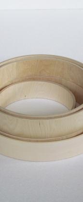 Cerchi per tamburi sciamanici . Frame drum hoops. Cercles en bois pour des tambour .